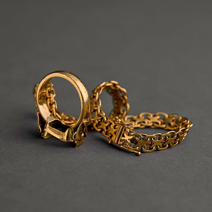 Sälja skadat guld, armband och ringar